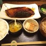 志乃ぶ - 初トロカジキ。バサパサ感が全くなくて、珍しく洋風に感じるような甘いソース。めっちゃ美味しい!!!