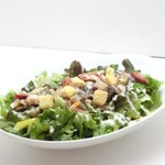 トリプルアール グリルキッチン - 料理写真:厚切りベーコンと木の子のシーザーサラダ仕立て¥698