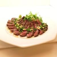 トリプルアール グリルキッチン - 牛リブアイの和風ステーキ、タリアータ仕立て¥999