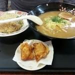 餃子の王将 - こってりらーめんセット(焼飯)