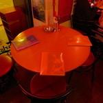 シンガポールスタイル・コピティアム - 運よくテーブル席が空きました