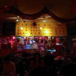 シンガポールスタイル・コピティアム - 店内はまさにシンガポールの大衆食堂