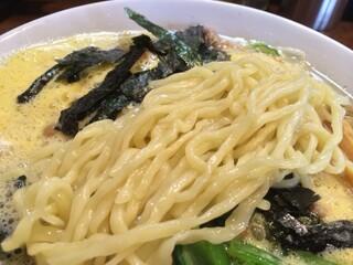 らあめん大安 - 麺(2014年1月の「納豆らあめん」)