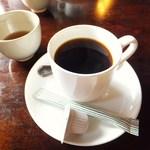 レストラン湖畔 - ドリンク写真:ブレンドコーヒー 300円