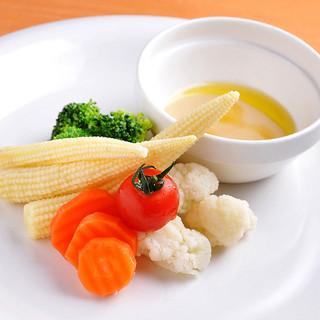 産地野菜を使用!毎日新鮮野菜をお届けしています♫