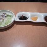 23666023 - サラダと前菜