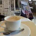 23666648 - 喫茶店らしい店内。