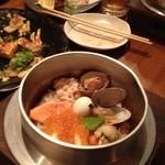 海鮮釜居酒 花火 - 釜飯(海鮮だったかな…)