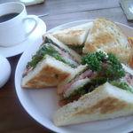 カフェスバコ - ごぱんのサンドイッチ