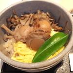 23678048 - 昼のおすすめ 寒の旬料理 釜めしと茶碗蒸し 1365円 釜めし ホタテ 【 2014年1月 】