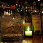 ポイント - ドリンク写真:バカラのグラスで・・・