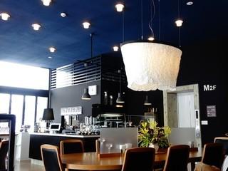 喫茶室baton - オープンな店内です