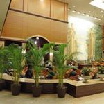 第一ホテル東京 ロビーラウンジ - お仕事中ビジネスマン率高し