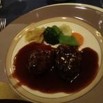 ボンヌマン - 肉料理:和牛ほほ肉の赤ワイン煮