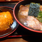 23685636 - 醤油ラーメン・ミニ天津飯セット
