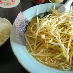 ラーメンショップ 椿 - ネギみそラーメン+ご飯小々=金曜なので700円