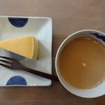 23686532 - チーズケーキセット(750円)