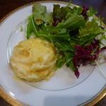 ユキオントコ - 全てのランチに付く【サラダ】と【じゃがいものグラタン】♪