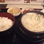 韓国亭 - 牛すじコムタン定食