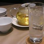 Meikekachuuka - ジントニック、凍頂烏龍茶