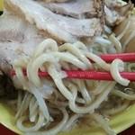 ラーメン イエロー - 麺