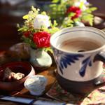花人逢 - 食後のコーヒー。コーヒー豆が可愛い。
