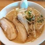 こきん太 - 豚骨醤油コッテリラーメン700円+チャーシュー2枚200円