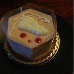 パティスリー ウフ - レアチーズケーキ  336円