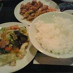 紅龍 - 肉野菜炒めと鶏唐揚げ油淋ソース