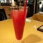 23702151 - イタリアの真っ赤なオレンジジュース                       450円