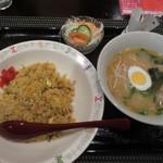 チューボーらいち - 日替わりランチ[炒飯]ミニラーメン付¥700