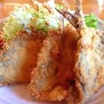 海花 - アジフライ。肉厚でサクサクフカフカ!ソースいらずの美味さです。絶品!