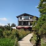 Koshikiteuchisobaizumi - 外観 金鱗湖側から