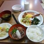 ホテル・アルファ-ワン - 1日目の朝食