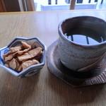 手打ちそば 石庄庵 - お茶と揚げ蕎麦