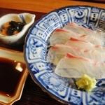 ふじ義 - 造り 明石の鯛と海胆