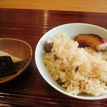 ふじ義 - 食事 混ぜご飯、香の物、お味噌汁