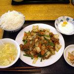 翠鮮楼 - 「豚の脚肉炒め定食(日替り)」650円