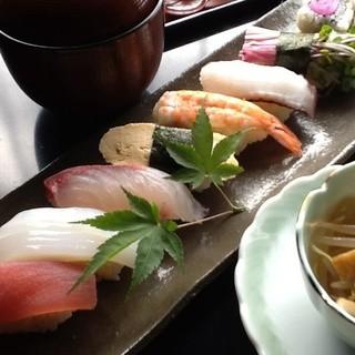 最適な状態でご提供する鮮魚
