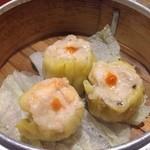 中国料理 龍 - 広東焼売(えび入り焼売3ヶ)525円