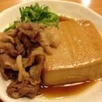 酒場あさひ - お豆腐も牛肉も美味しい肉豆腐  380円