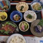御宿 郷 - 料理写真:夕食(きのこや山菜)