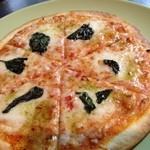 Cham - マルゲリータピザ