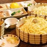 金字塔 - ☆特選つけそば☆2種類の麺を味わうことができます!最後はお茶で割ってすっきりと〆るのがオススメです!