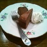 こらっと - チョコレートケーキ\400