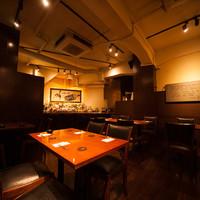 日比谷Bar - 新宿駅から徒歩2分。アルタ横の地下に佇む落ち着いた空間