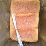 食パン工房 ラミ - 食パン1.5斤500円 出来たてのため、袋は蓋なし
