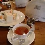 ならまち村 - サンドイッチと紅茶(ポットサービス)