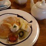 ならまち村 - パンケーキ(季節のフルーツ添え)