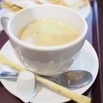 三びきの子ぶた - ホットコーヒー